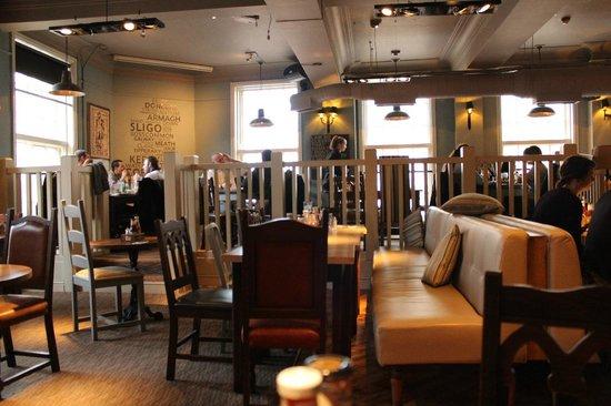 O'Neill's - Kings Cross: Sala ristorante 2