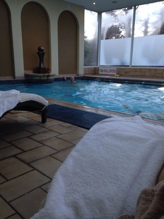 The Spa Hotel : The pool was nice and warm with comfy poolside beds to relax on.
