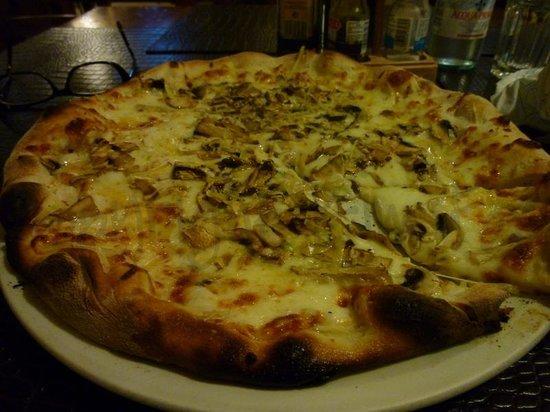 Ta' Vestru : Delicious pizza