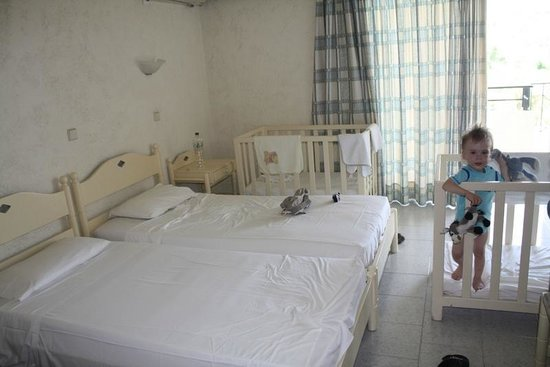 Filerimos Village Hotel : Bedroom