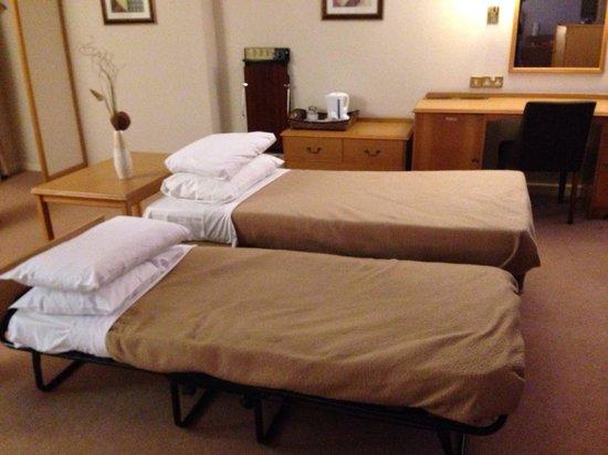 Erskine Bridge Hotel: Family room