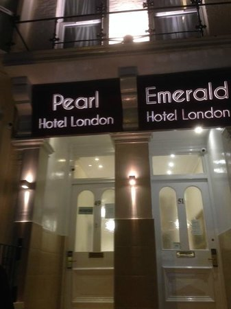 Pearl Hotel London: The Pearl and Emerald are owned by the same person that owns The Sapphire Hotel as well