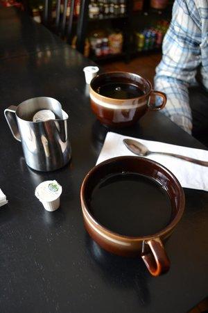 The Town's Inn: coffee