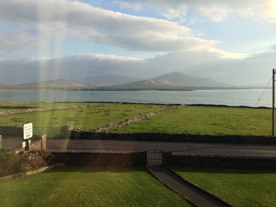 Imeall na Mara : Sights from our room