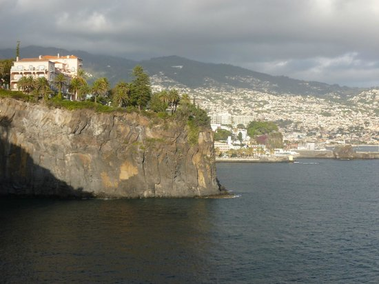 Raga Hotel: funchal seen from the west