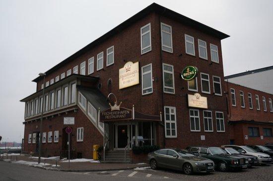 Fischereihafen-Restaurant: Outside the restaurant