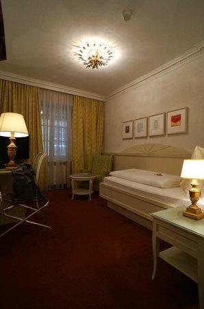 Best Western Plus Hotel Goldener Adler: Room (Single)