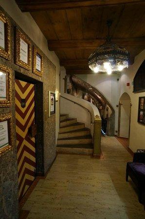 Best Western Plus Hotel Goldener Adler: Elevator