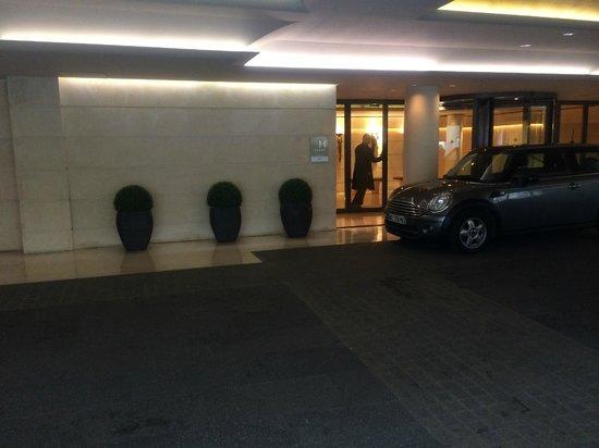 Park Hyatt Paris - Vendome : ANOTHER  ENTRANCE