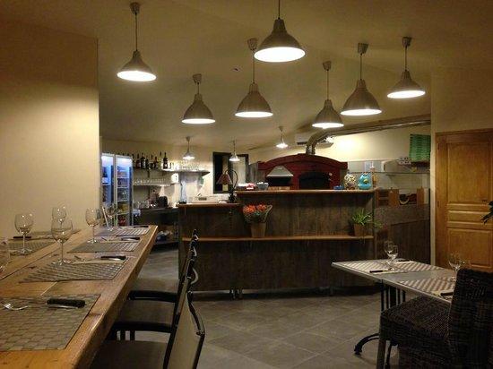 Max Pizza : vue intérieur du restaurant
