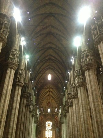 The enormity of the duomo.