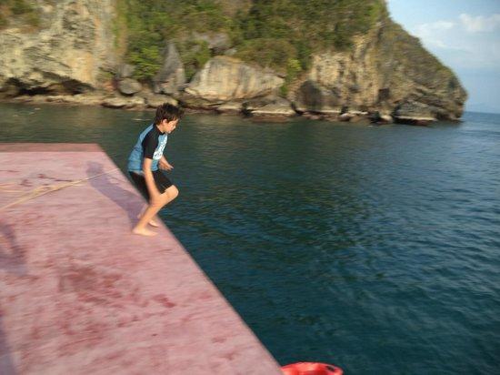 Krabi Sunset Cruises: Jump son