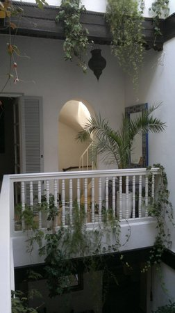 Riad 'Chez Dar Ma' : View from bedroom towards the staircase