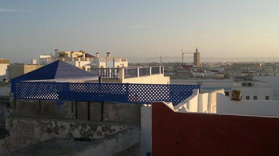 Riad 'Chez Dar Ma' : Roof terrace...