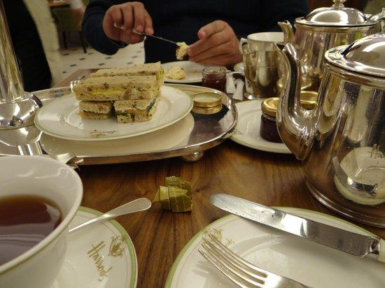 Crowne Plaza London Kensington: Chá das 5 - Harrods