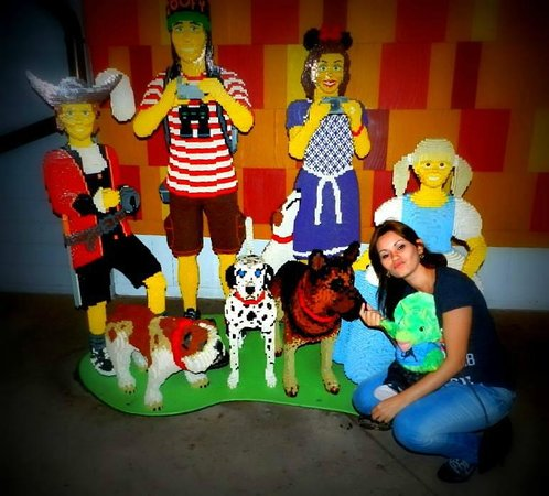 Disney Springs: Lego