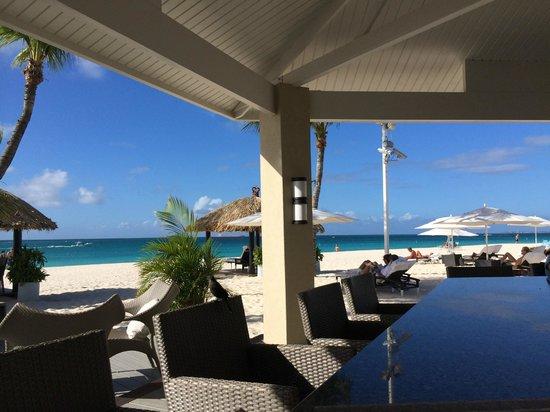 Bucuti & Tara Beach Resort Aruba : SandBar Beach Bar