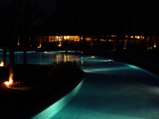 Barcelo Maya Tropical: One of the pools at night