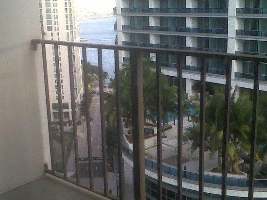 Hyatt Regency Miami: ROOM 2106 VIEW
