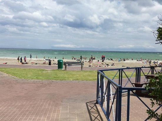 Berg en Zee Guest House: Beach at Spur for lunch. Great safe swimming beach