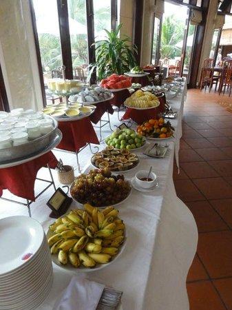 Golden Coast Resort and Spa : Завтрак, молочно-фруктовый стол
