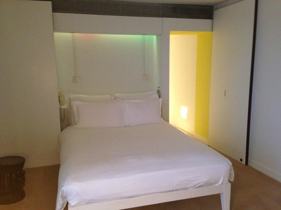 St Martins Lane London Hotel: room2