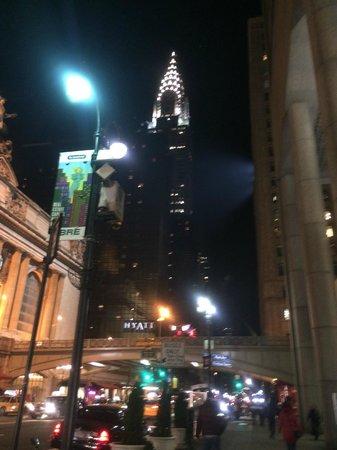 Grand Hyatt New York: VIEW FROM GROUND