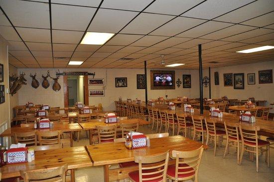 Poche Market & Restaurant : view of interior of restaurant