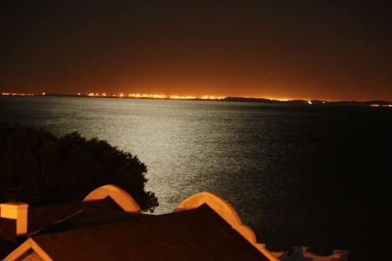 Berg en Zee Guest House : night view over the ocean from balcony