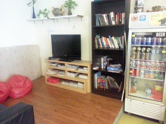 Raizzy's Guesthouse: lounge