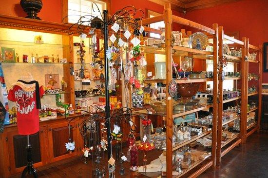 Rip Van Winkle Gardens: nice gift shop