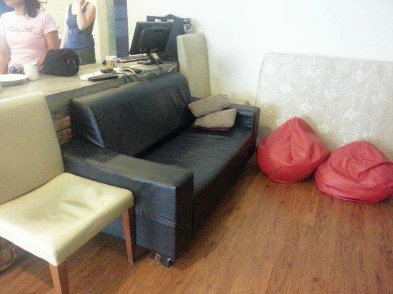 Raizzy's Guesthouse: Lounge Area