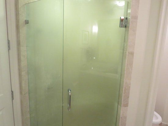 Seven Stars Resort & Spa: shower