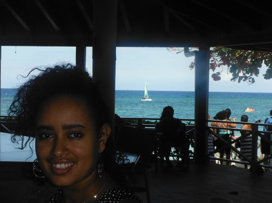 Sunscape Splash Montego Bay : Looking out to sea from the lobby through one of the restaurants.