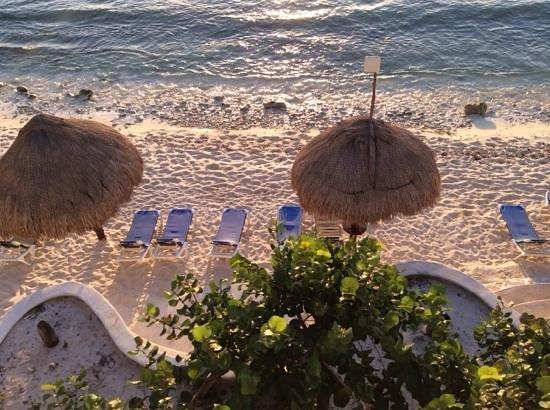 Playa Caribe: beachfront