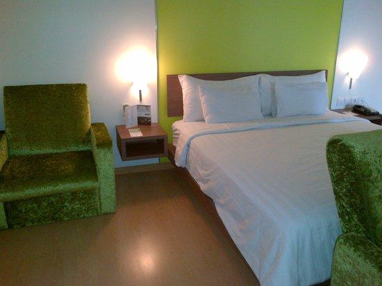 Quest Hotel Semarang : Bed