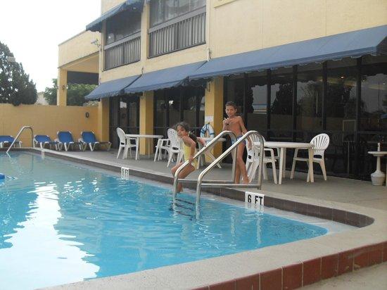 Orlando Continental Plaza Hotel: piscina