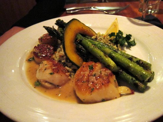 Galley Seafood Grill & Bar : Scallops