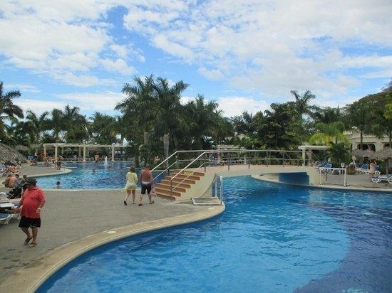 Hotel Riu Guanacaste: pool area