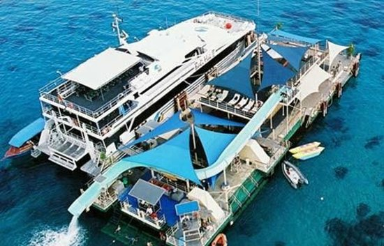 Travellink Bali: Bali Cruises programs get the fantastic experience during your holiday in Bali Paradise island
