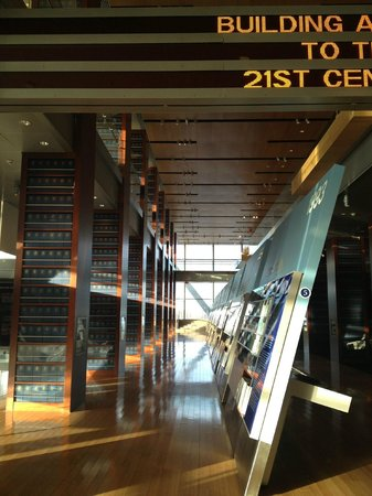 William J. Clinton Presidential Library: Library displays
