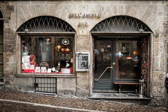 City Sightseeing Bergamo: Citta Alta shops