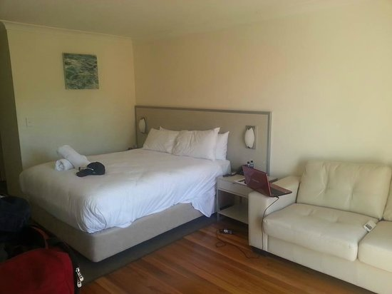 Terrigal Pacific Coastal Retreat: Very comfortable King bed