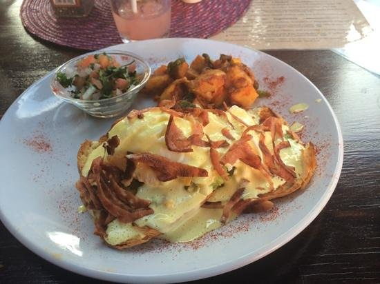 Lola Valentina: Savory breakfast