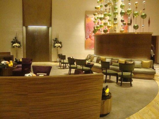 ARIA Sky Suites: The privat lounge. Food and drinks are behind the divider