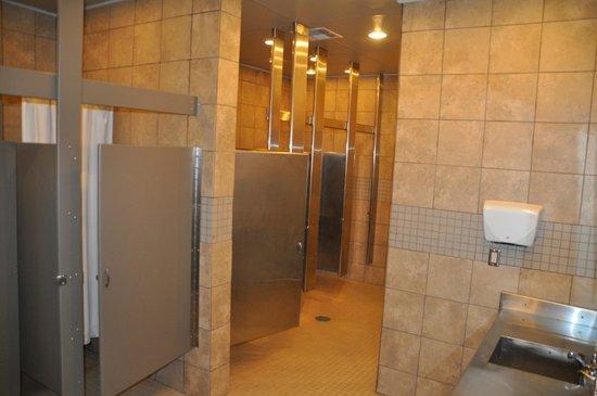 Bayou Segnette State Park: nice restrooms (campground)