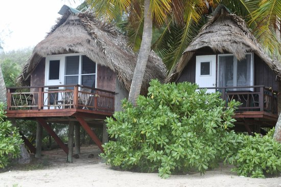 Paradise Cove Lodges : From the beach