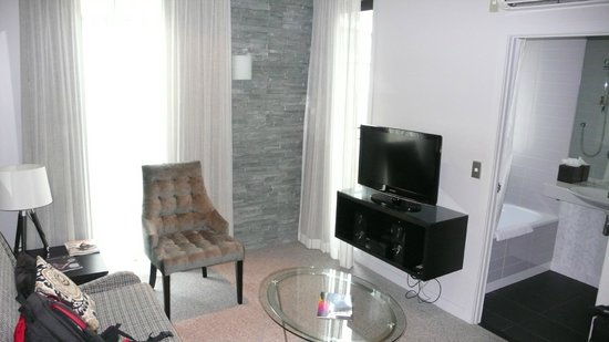 DoubleTree by Hilton Hotel: Living room