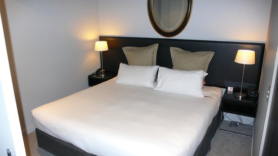 DoubleTree by Hilton Hotel Queenstown: Bedroom