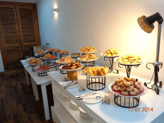 Jetwing St. Andrew's: Pastries Vakes etc